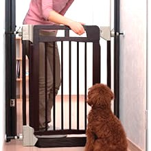 Richell Wooden Auto-Close Pet Gate (88301-3)